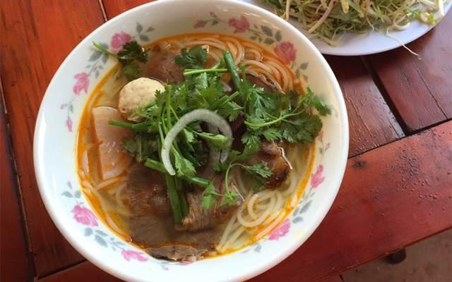 TOP 10 Địa điểm Ăn uống phong cách Món Miền Trung tại Lâm Đồng mới nổi không thể bỏ qua