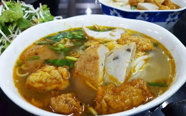 TOP 10 Địa điểm Ăn uống phong cách Món Miền Trung tại Bình Định mới nổi không thể bỏ qua