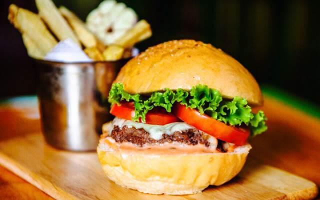 TOP 10 Địa điểm Ăn uống phong cách Mỹ tại Quảng Nam mới nổi không thể bỏ qua